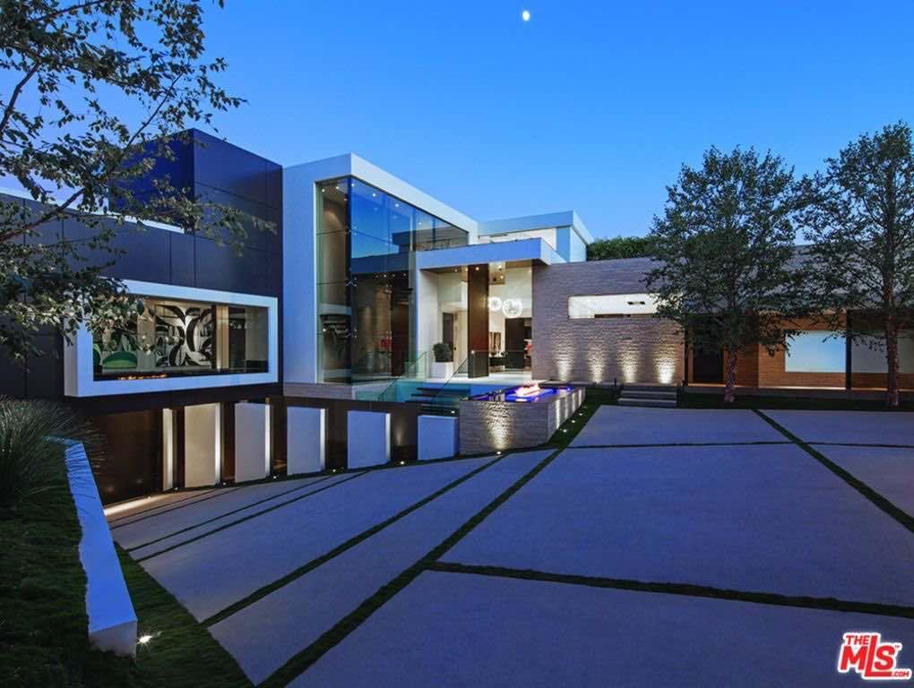 Esta espectacular mansión con paredes de cristales en Beverly Hills se vende AHORA por $38 MILLONES