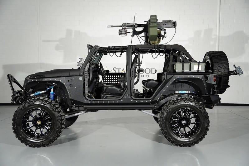 Mega Kit 'FULL METAL JACKET' por Starwood Motors: Personaliza tu Jeep Wrangler y ¡si lo necesitas! agrega una calibre .50