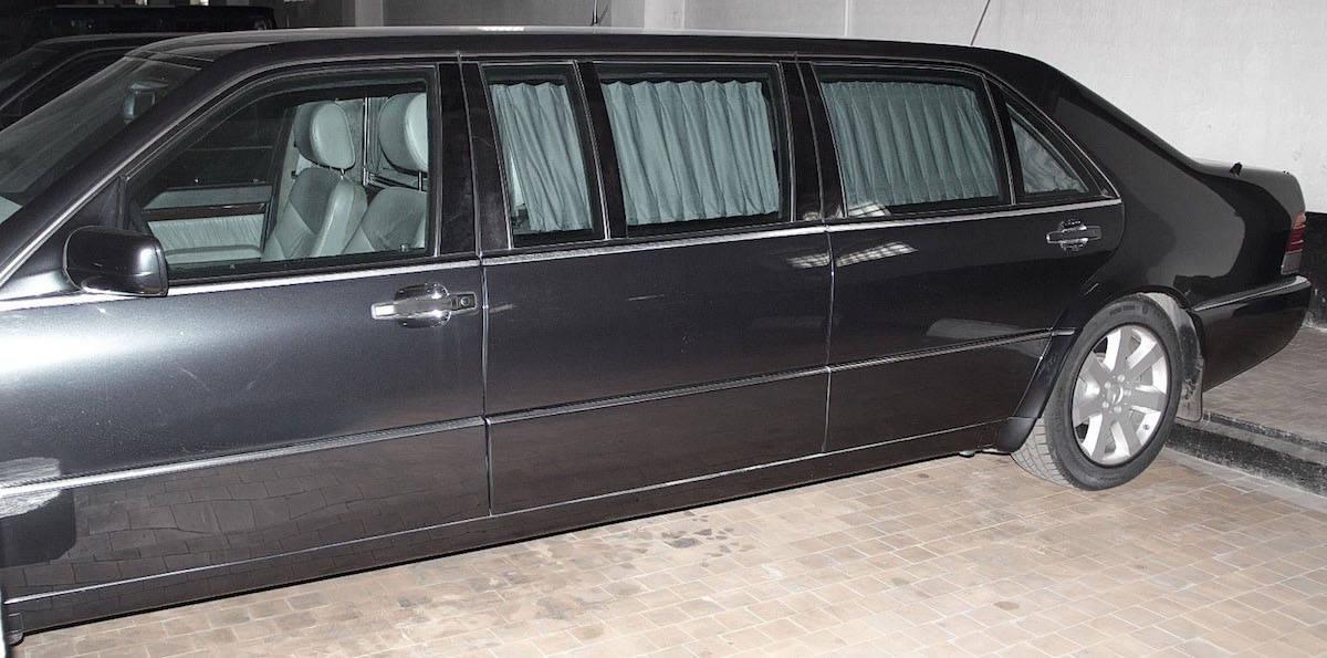 ¡Muévete por la ciudad como un líder mundial! La limusina blindada de Vladimir Putin puede ahora ser tuya por $1.3 millones