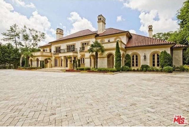 Con un precio de $18.8 millones, esta mega mansión de ¡3.065 metros cuadrados! es el listado más caro en la ciudad de Atlanta