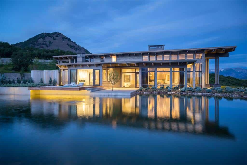 Esta majestuosa casa frente a un lago en Colorado está a la venta en $39.1 MILLONES
