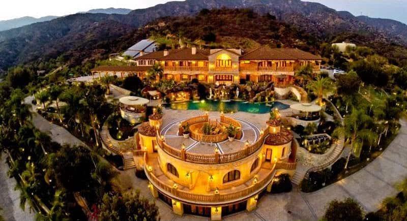 Mega espectacular mansión de 38 millones de dólares y de estilo mediterráneo en Los Ángeles, California