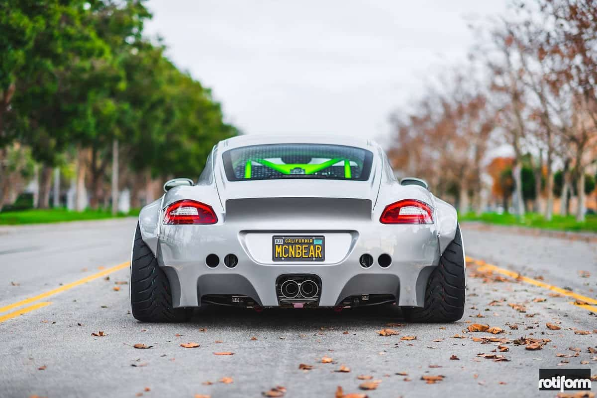 Este Porsche Cayman personalizado sorprende con su kit 'Widebody' OTT