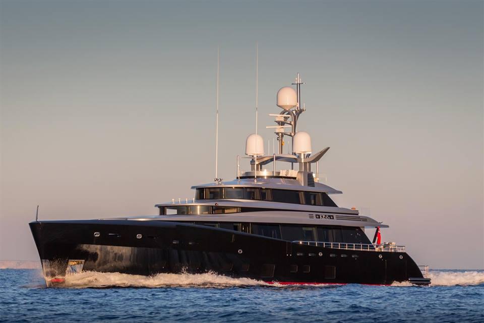 KISS - Este ultra lujoso mega yate es una colaboración entre Dubois Yachts y Feadship
