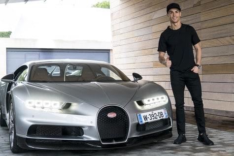 Cristiano Ronaldo prueba el nuevo Bugatti Chiron