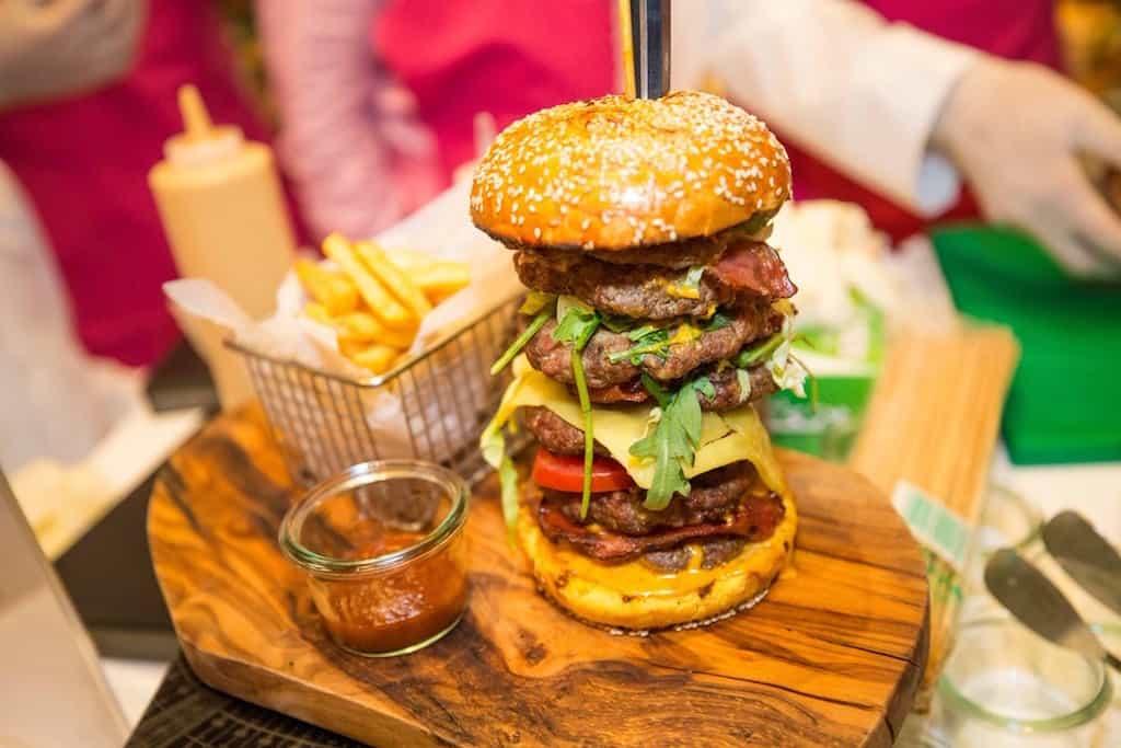 La hamburguesa más cara del mundo se vendío por la suma de ¡$10.000! en Dubái