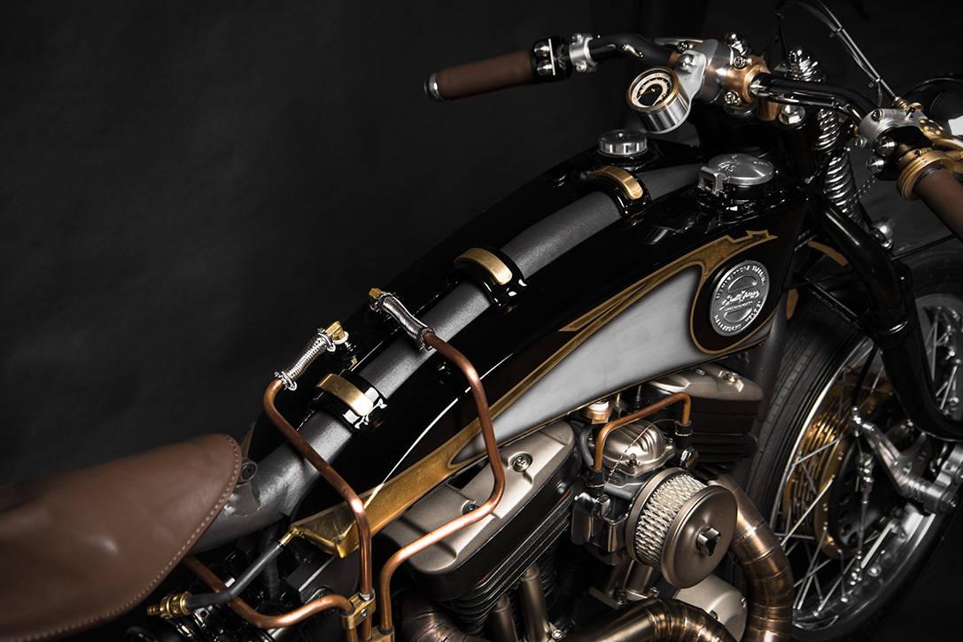 Harley Davidson Sportster 883 Opera — Motocicleta personalizada por South Garage