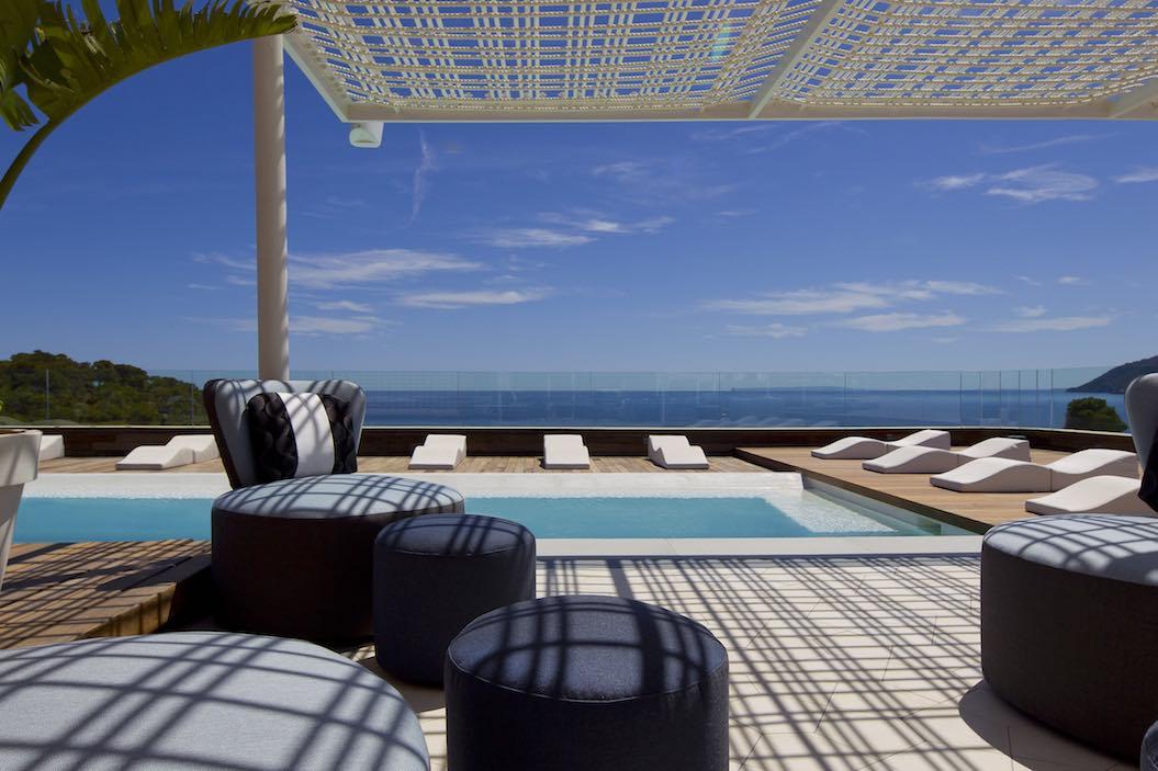 El Revival Spa by Clarins del hotel Aguas de Ibiza te ofrece nuevos tratamientos adelgazantes para lucir cuerpo en verano
