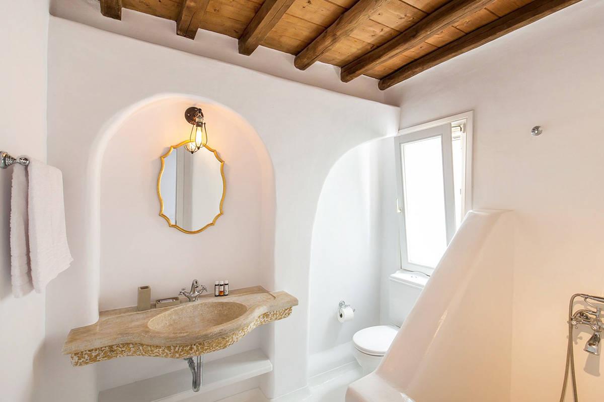 Alisahnea: Una exclusiva villa frente al mar y con piscina privada en Miconos, Grecia