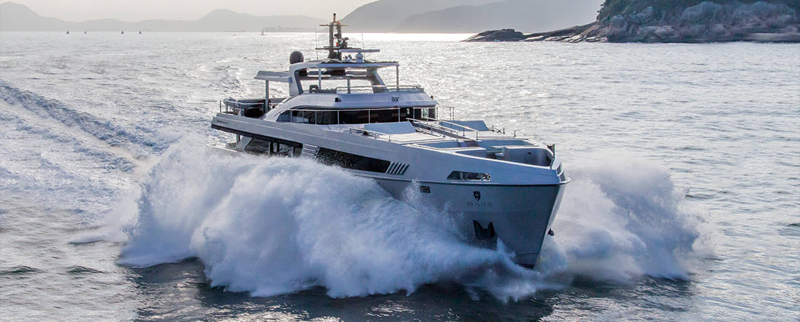 Mars 106: Un hermoso yate privado de edición limitada por MCP Yachts