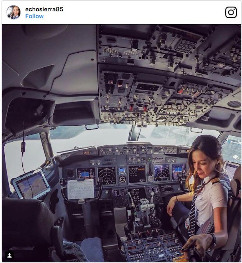 Conoce a Eser Aksan Erdogan, la piloto de 31 años que se ha convertido en toda una sensación en Instagram