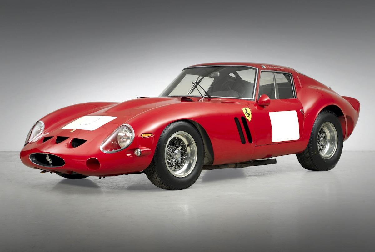 Ferrari 250 GTO 1962: Opulentos y extravagantes lujos que solo los mega multimillonarios pueden permitirse.
