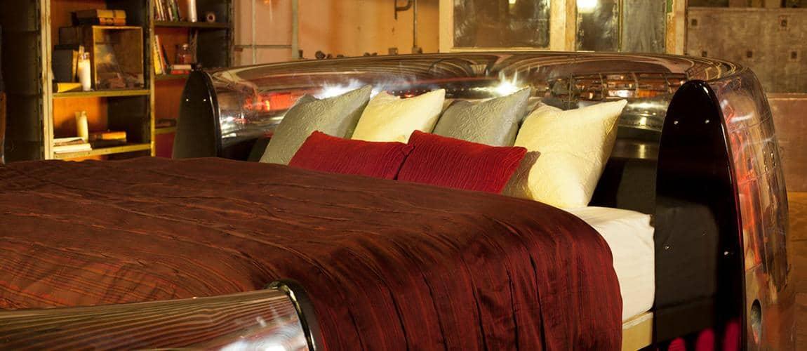 Duerme como un REY en esta cama de $20.000 hecha de una turbina de Boeing 747