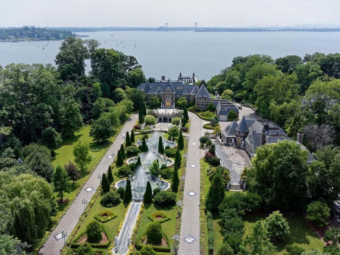 Echa un vistazo a esta mansión de $85 millones en Nueva York que una vez perteneció a un magnate soviético