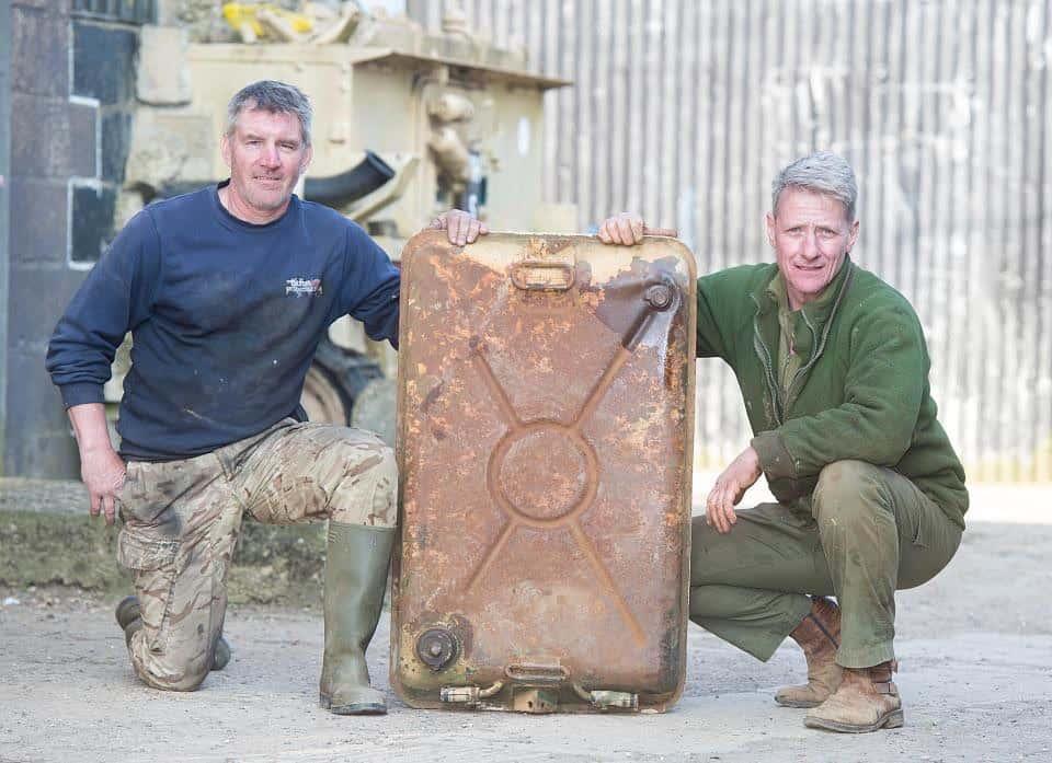 Coleccionista compra un tanque de guerra ruso en eBay por $37.000 y encuentra $2.5 MILLONES en lingotes de oro ocultos dentro