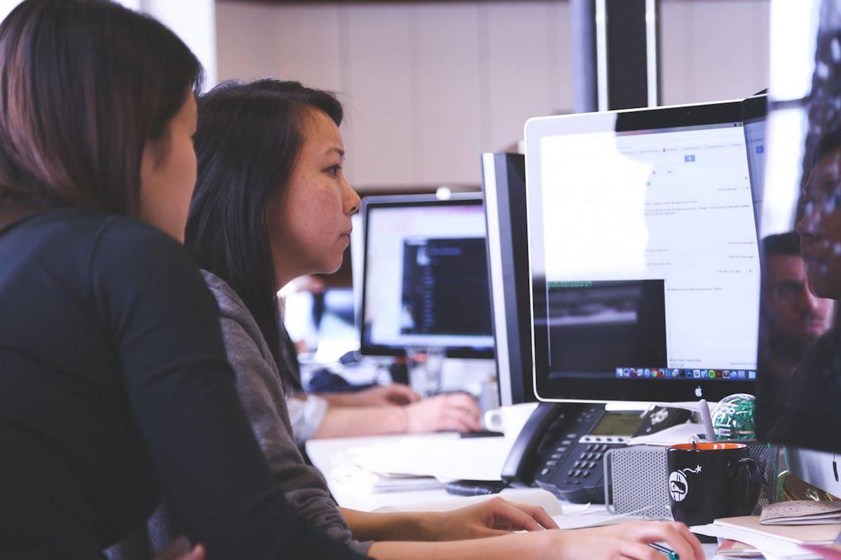 Las consultoras A.T Kearney encabeza la lista de las 25 empresas con mayores salarios en USA