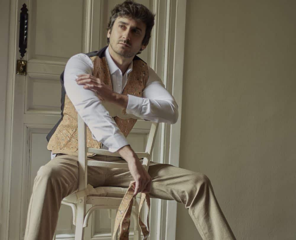 """El actor Jorge Pobes imagen de la nueva colección para """"Hombre 2017"""" del diseñador Arquímedes Llorens"""