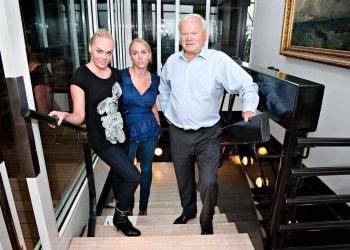 Kathrine Fredriksen, Cecilie Fredriksen y su padre John Fredriksen