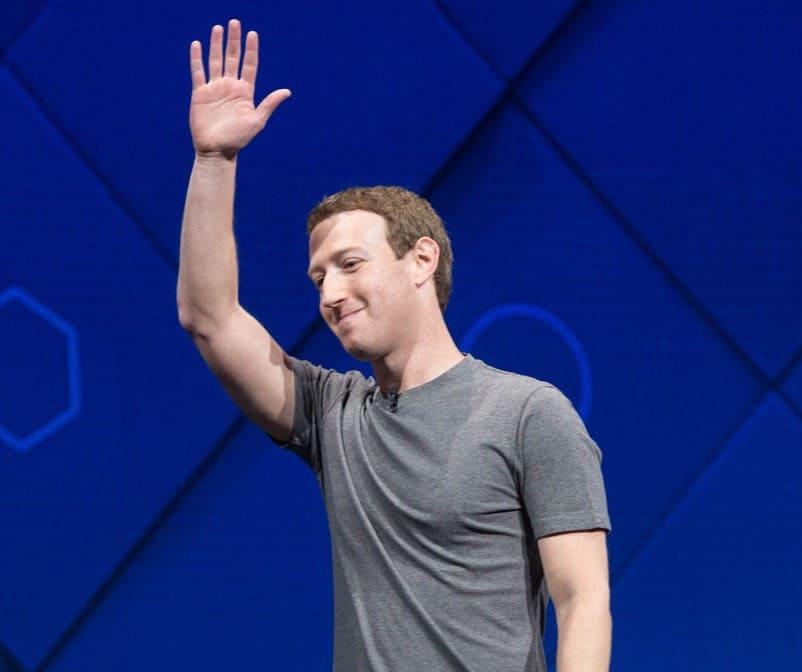 ¡INCREÍBLE! Un pasante en Facebook gana $8.000 al mes