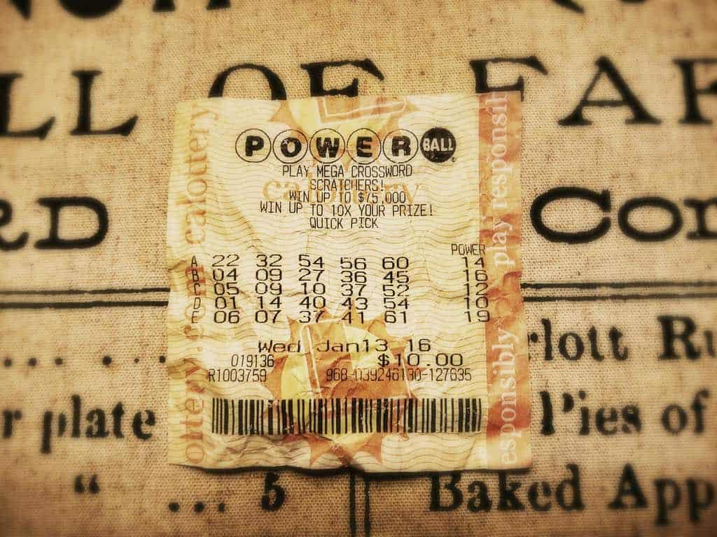 Un solo tiquete vendido en California gana el jackpot de $448 millones del Powerball en los Estados Unidos