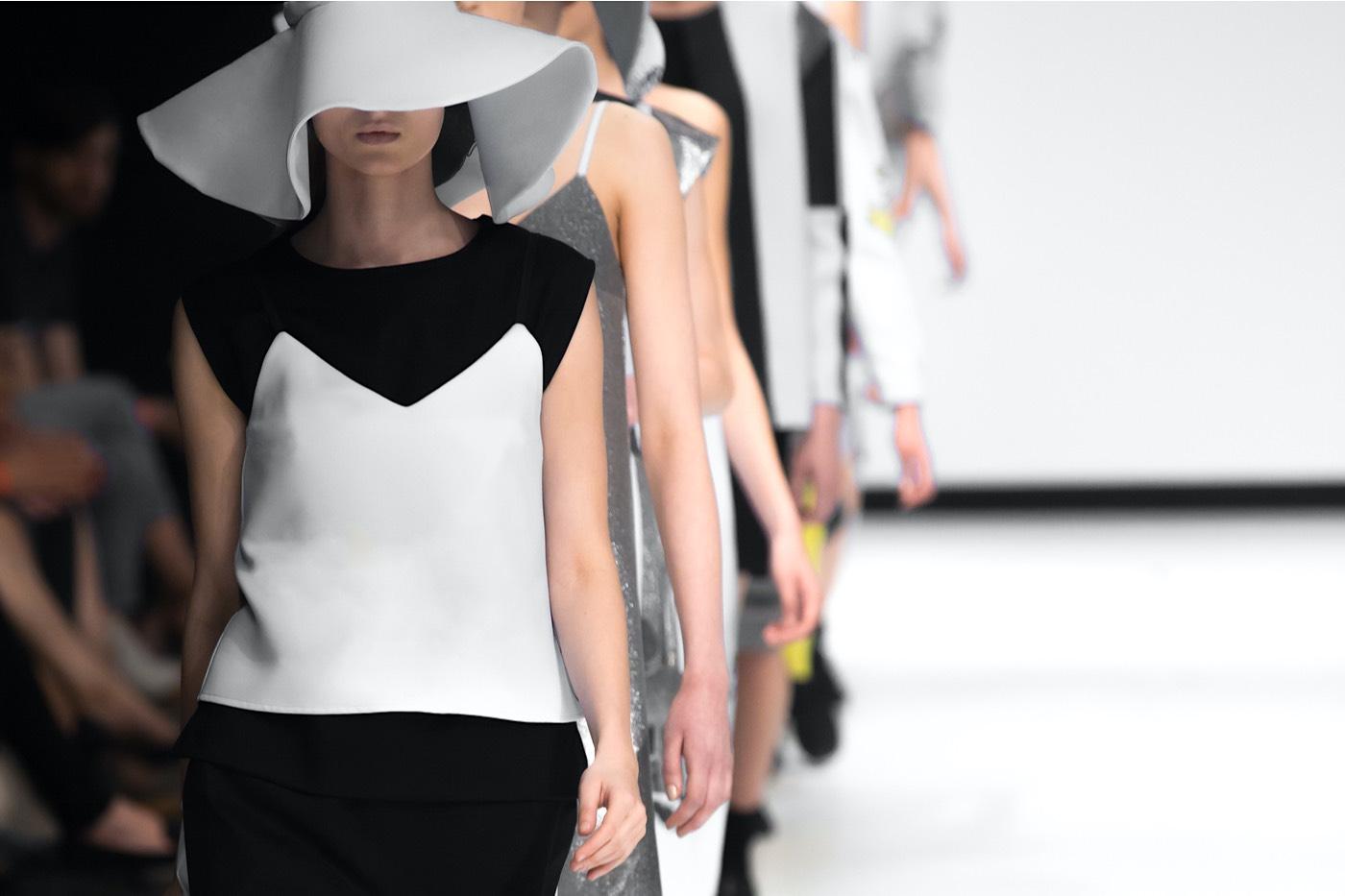 ¿Tienes otros consejos para principiantes que desean iniciarse en el mundo de la moda en Londres?