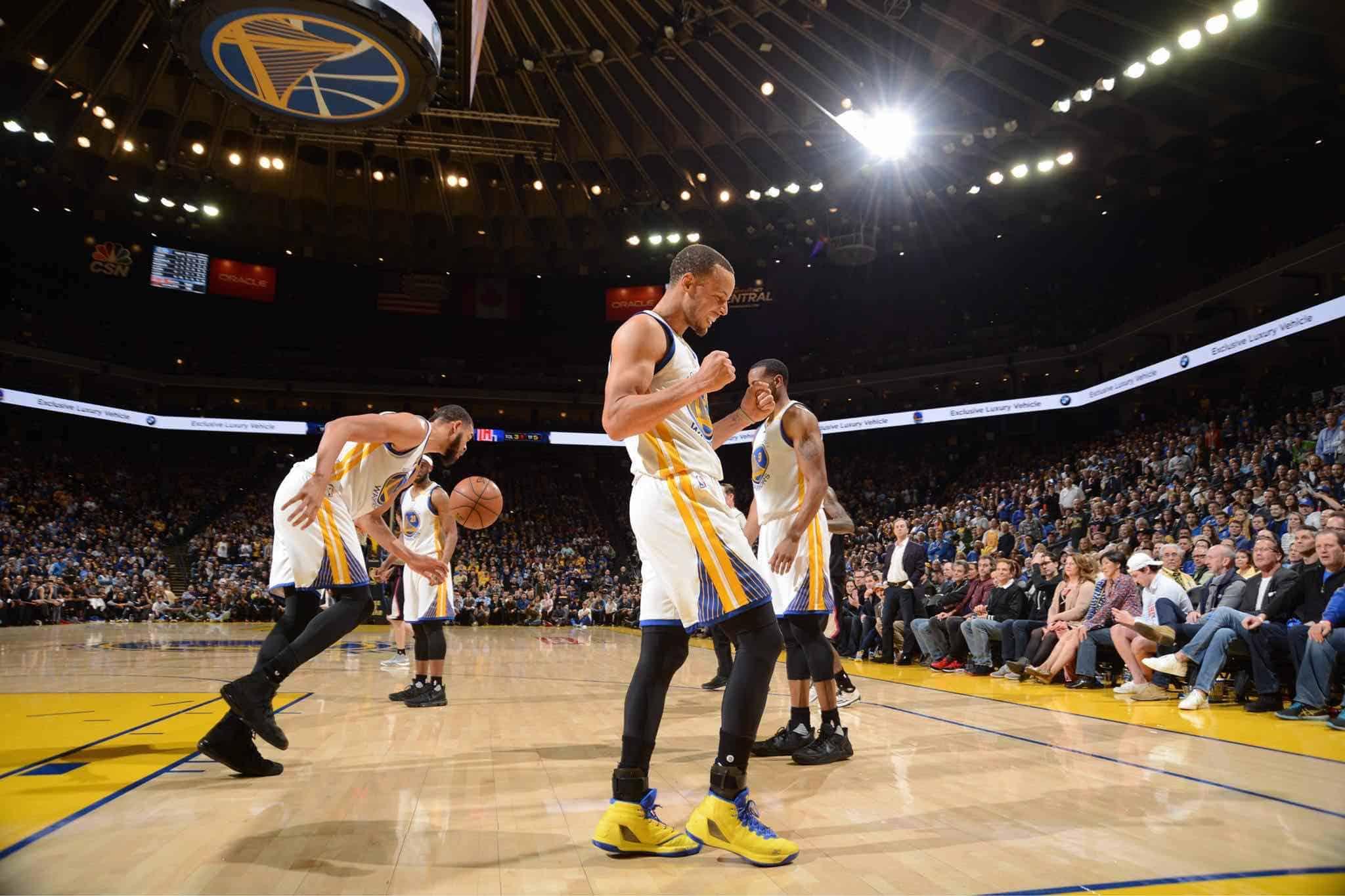 Stephen Curry firma el contrato más grande de la historia de la NBA, ¡$201 MILLONES!