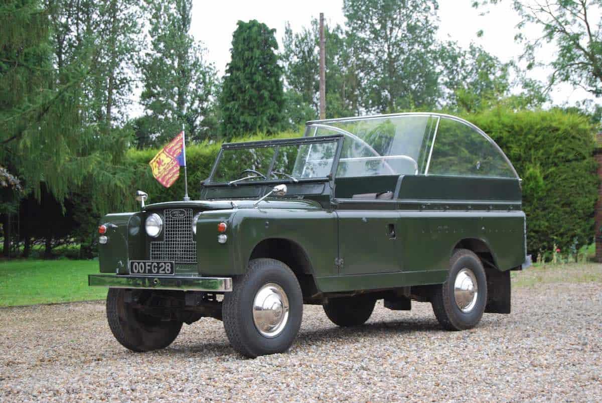 Land Rover serie IIA del 1968 propiedad de la familia Real. Bonhams