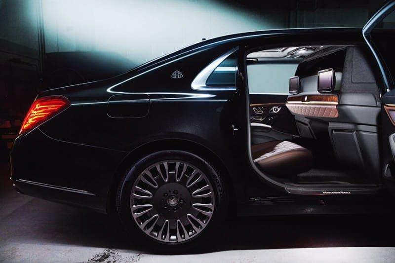A1 AUTO tunea el sedán Mercedes-Maybach y lo convierte en un vehículo de alta gama para pasajeros VIP