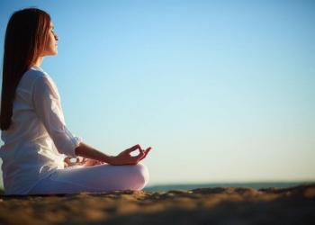 Encuentra la Felicidad a través del Yoga y tu Éxito y Prosperidad están asegurados