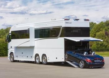 Esta autocaravana de $1 millón es lo más parecido a un yate de lujo sobre ruedas