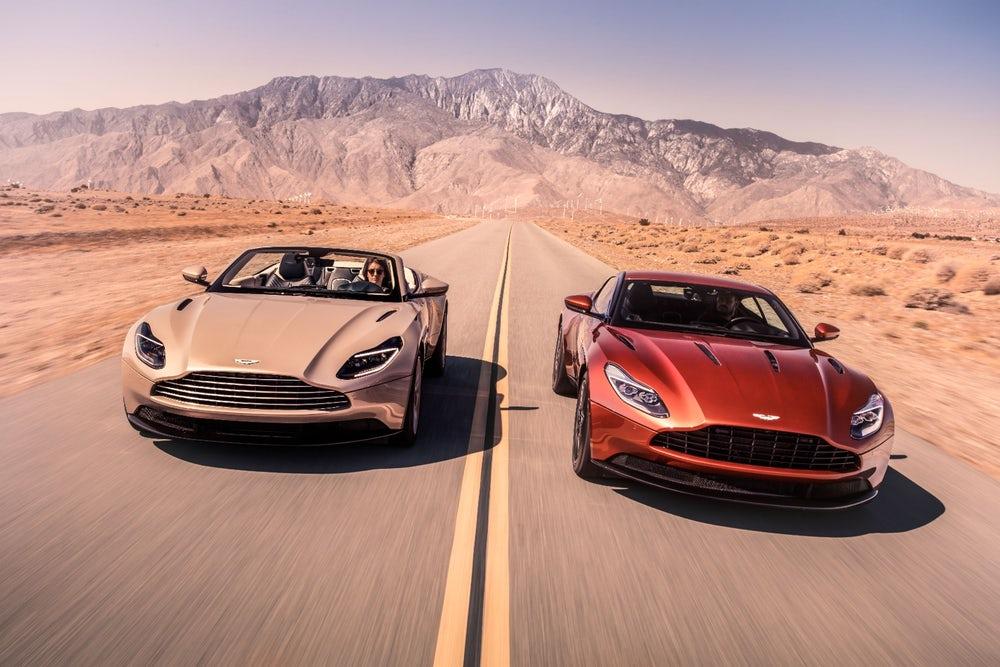 ¡Oficial! Aston Martin DB11 Volante 2018