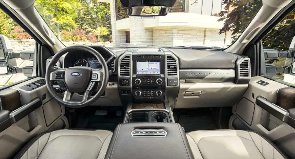 Ford presenta la pickup de lujo F-450 y viene con un precio de $100.000