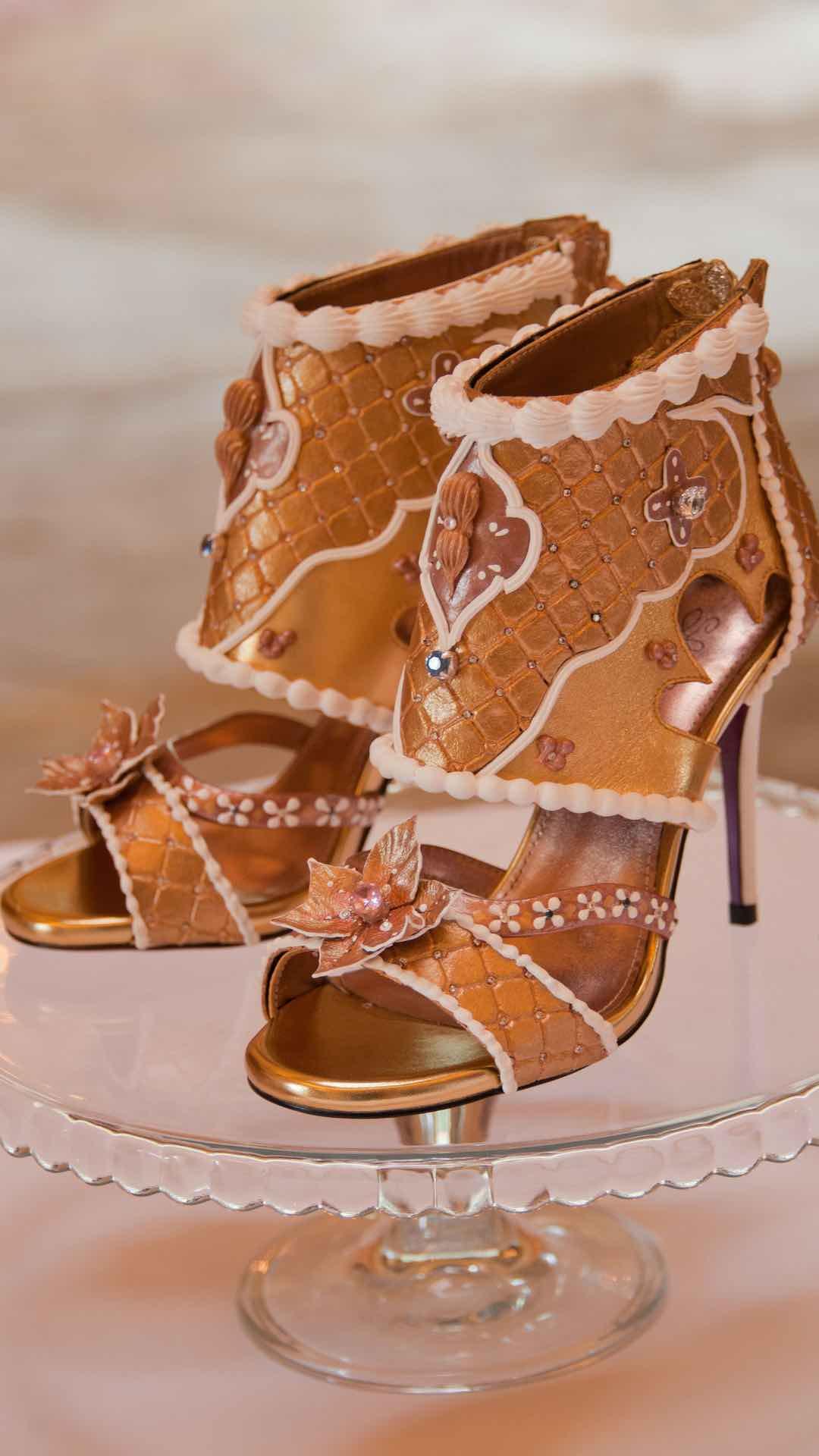 Debbie Wingham crea los zapatos más caros del mundo -- $15.1 millones por el par