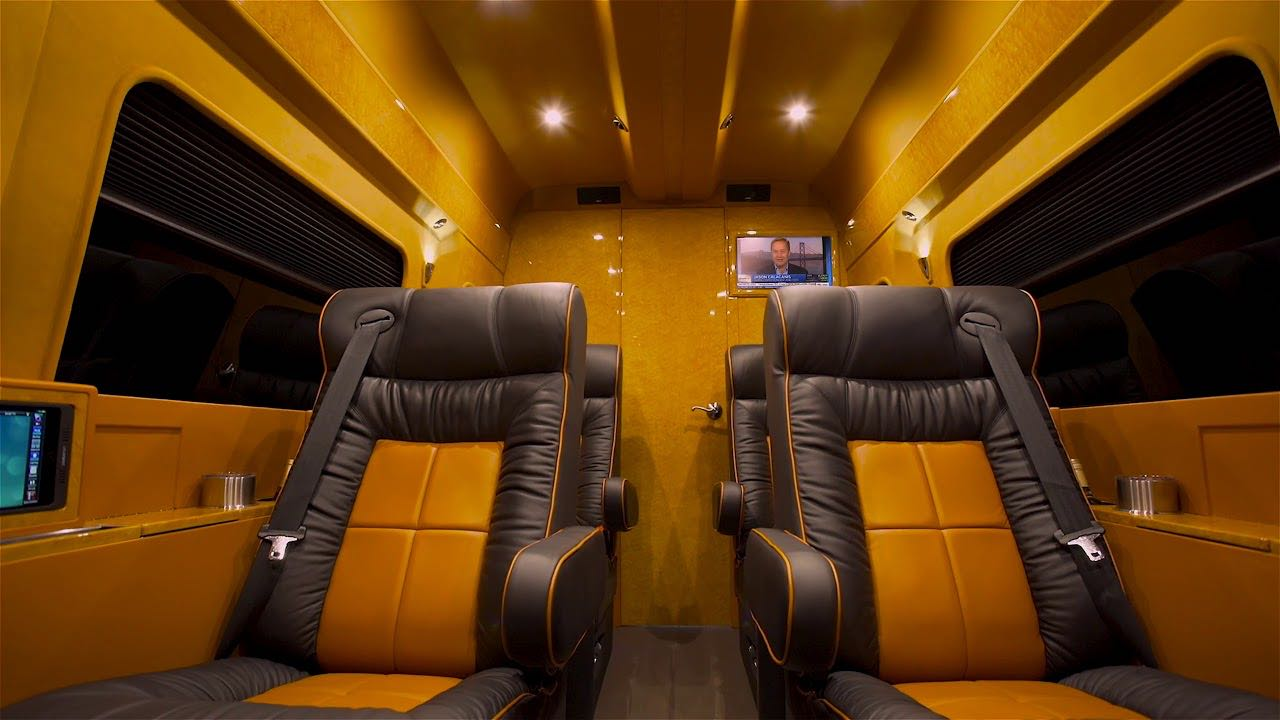 Mercedes Sprinter Van Mobile Office por Lexani Motorcars