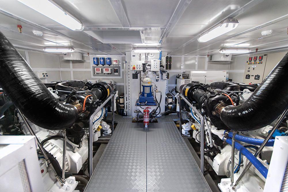 Suba a bordo del súper yate MARS 106 LE de $9.7 millones por MCP Yachts