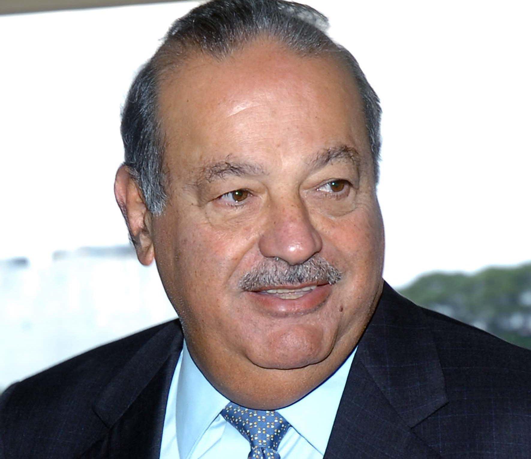 Carlos Slim Helú, es el más rico de México y una las 10 personas más ricas del mundo.