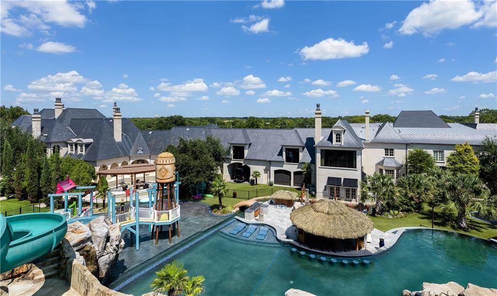 Esta mega mansión de Dallas, con su propio parque acuático, sale a la venta por $28 millones
