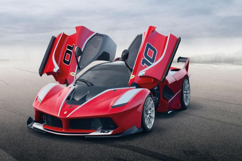Ferrari presentó el FXX K: Superdeportivo sólo para las pistas de carreras