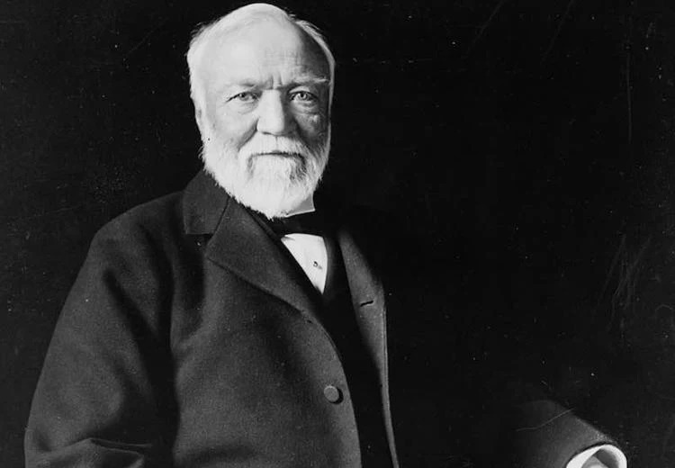 Patrimonio neto personal de Andrew Carnegie