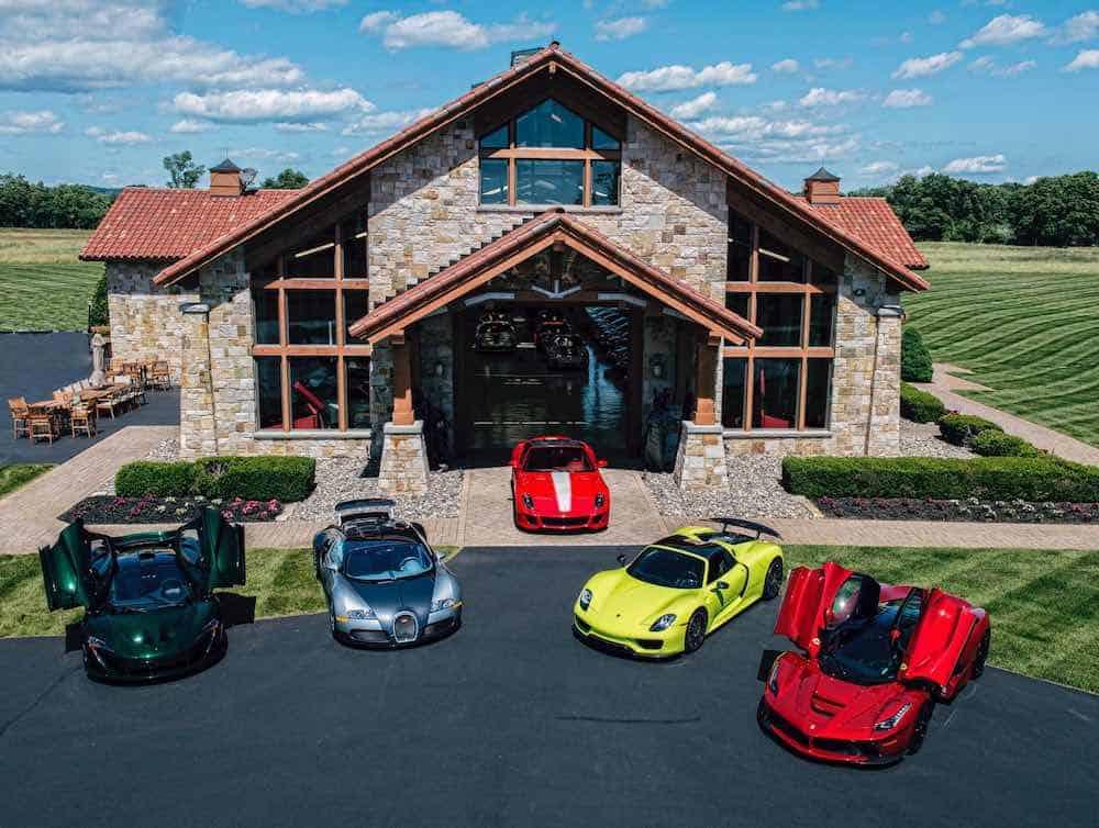 Esta mega increíble propiedad en Nueva Jersey viene con suficiente espacio para tú colección de autos y puede ser tuya por $10.5 millones