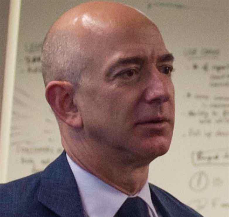 Jeff Bezos dona $33 millones para ayudar a inmigrantes indocumentados