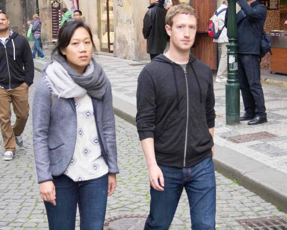 Mark Zuckerberg, y su esposa, Priscilla Chan
