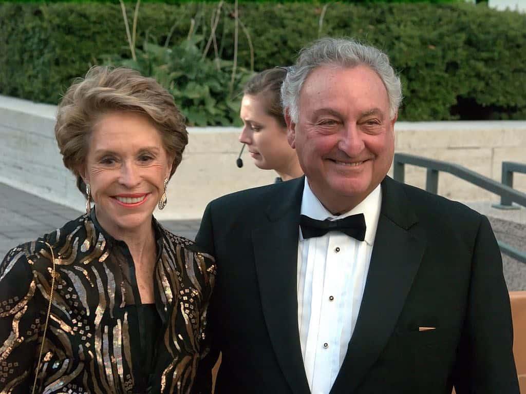 Multimillonario Sandy Weill y su esposa Joan hacen donación de $100 millones