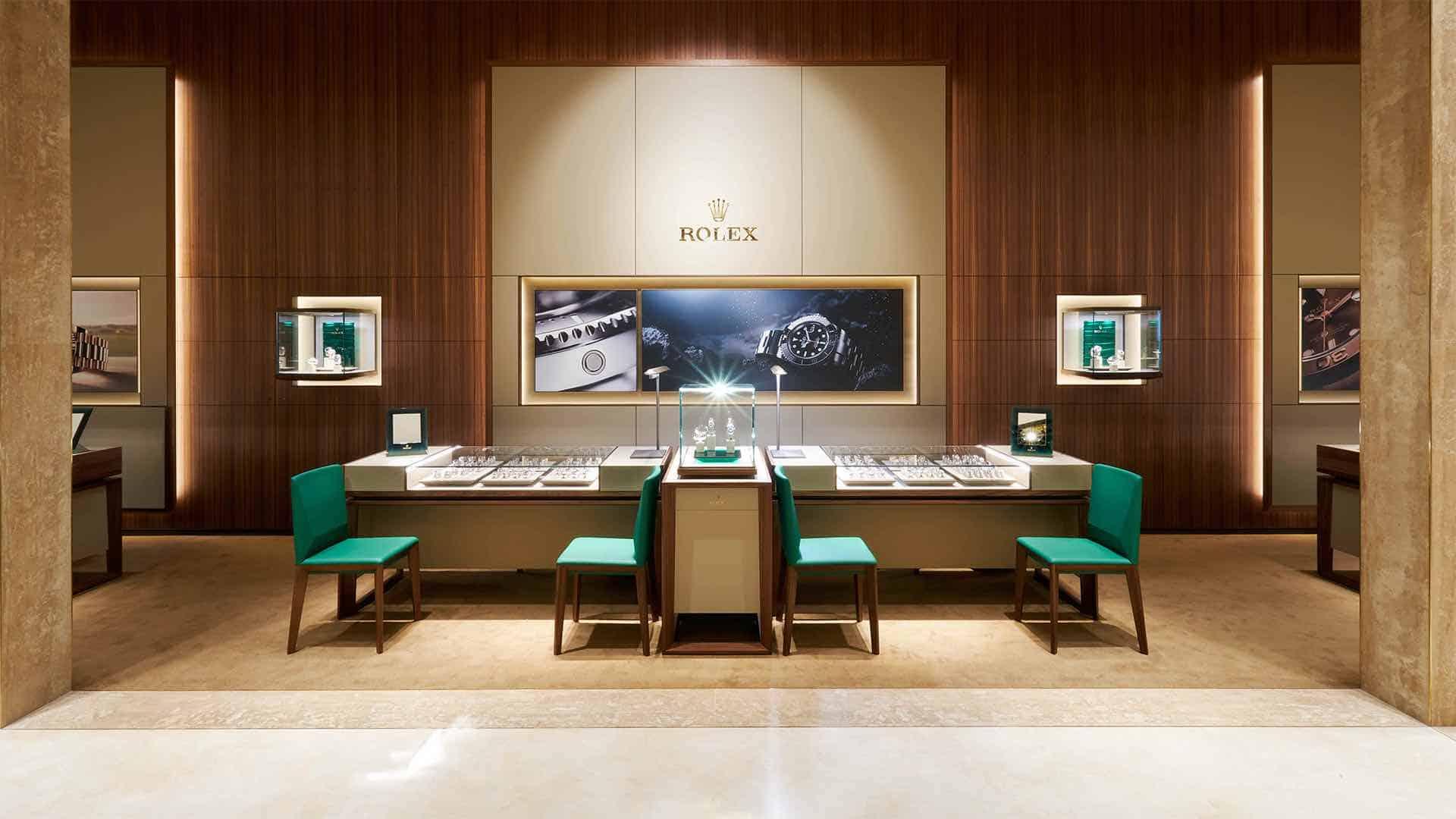 Entra a la tienda del relojero suizo más grande del mundo