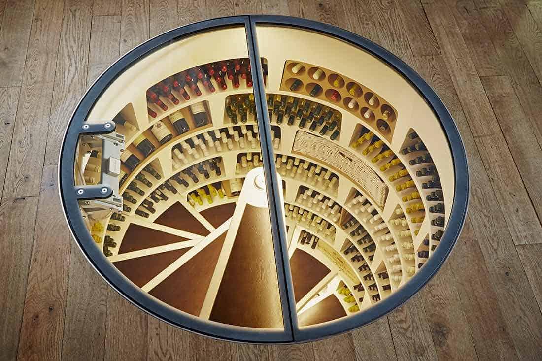 Spiral Wine Cellar: Una increíble bodega de vinos subterránea para cualquier habitación en tu casa