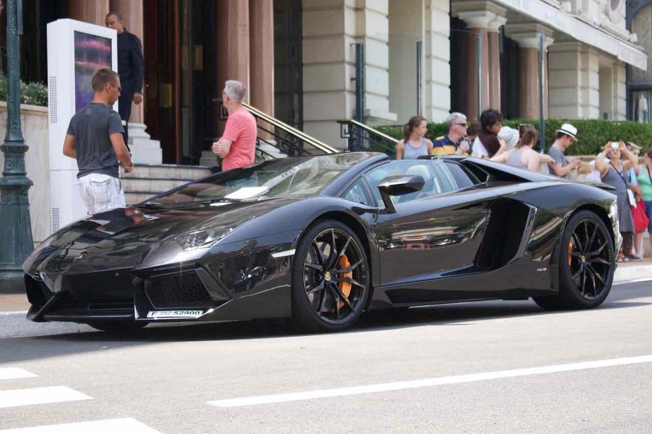 Lamborghini en las calles de Mónaco