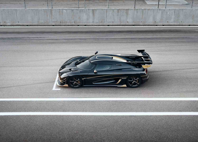 Koenigsegg ha nombrado sus dos últimos súper coches Agera: Thor y Väder