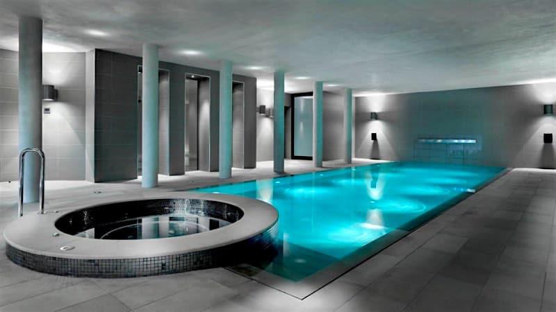 ¡Qué Lujaso! El sistema que cubre la piscina con un piso retráctil