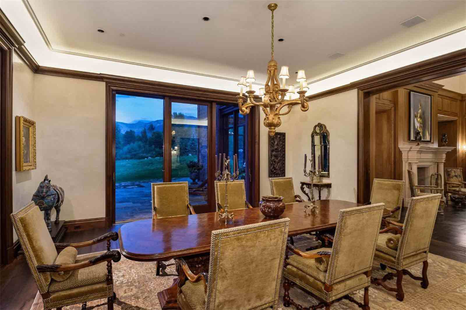 Lujosa mega propiedad recién construida a orillas de un río en Aspen, Colorado sale a la venta por $39,5 millones