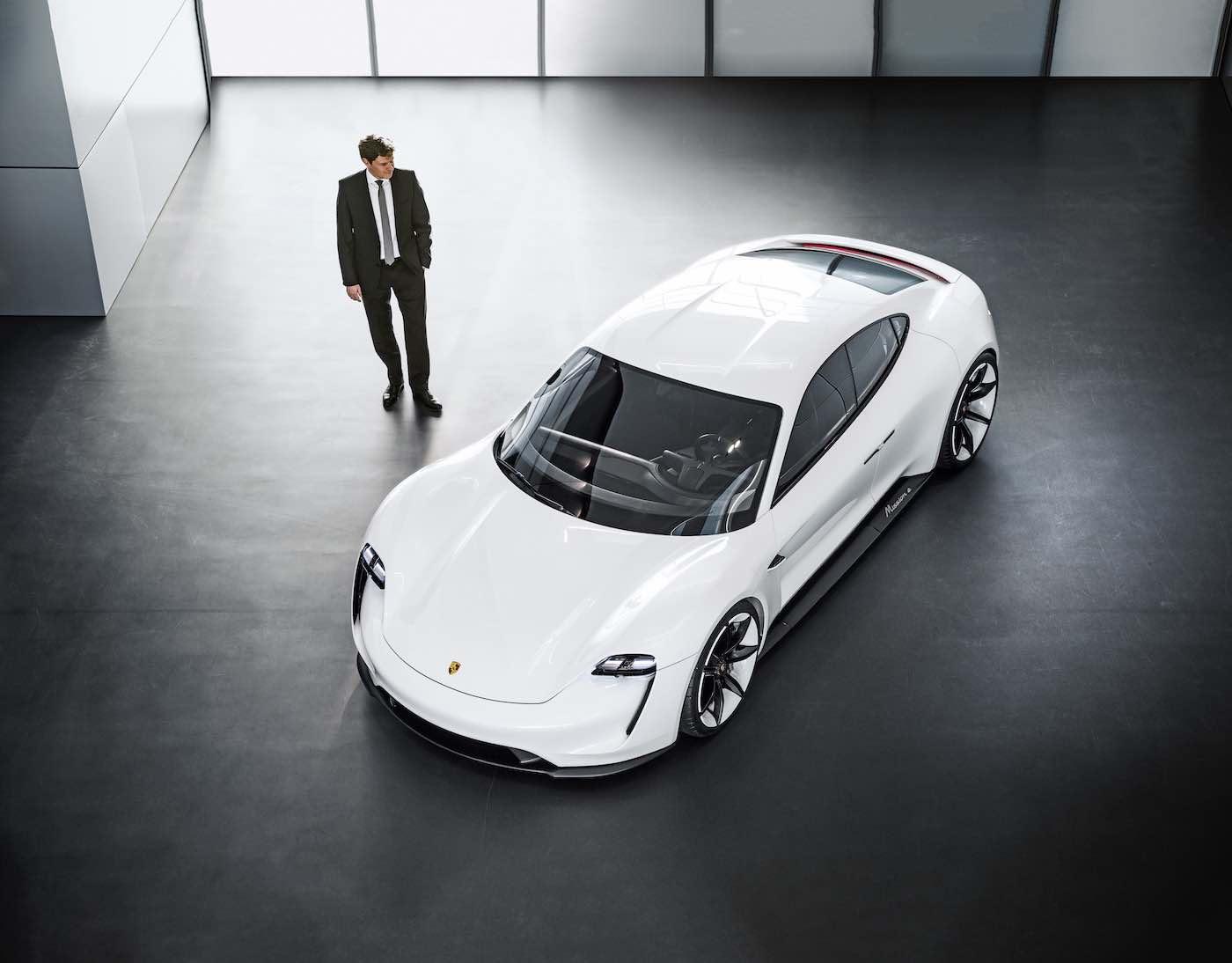 El TAYCAN ofrecerá el mismo placer de manejo que un Porsche convencional